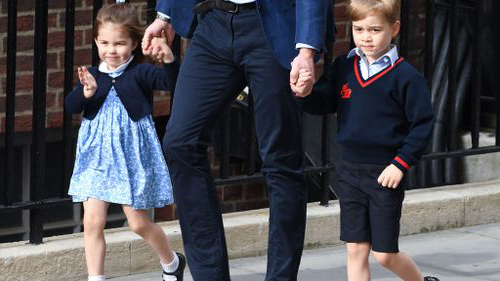 Prince George and Princess Charlotte were taken to the Lindo Wing to visit their new brother. (PA / AAP)